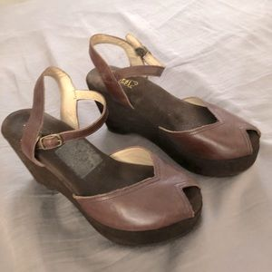 Natural Comfort comfortable wedges lightly worn 8m